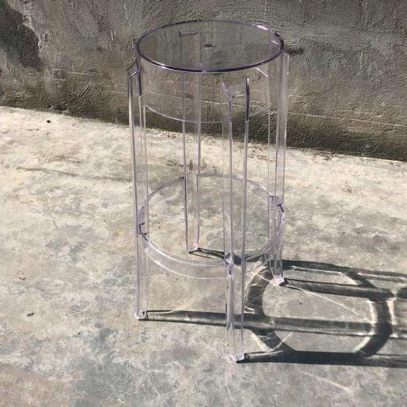 Taburete transparente de policarbonato
